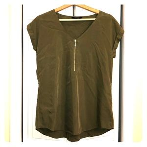 Express blouse - olive green with gold zipper